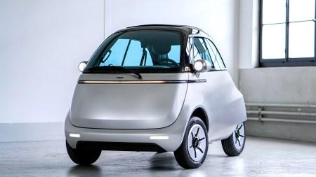 Швейцарский электрический сити-кар Microlino с запасом хода до 200 км и ценником от 12 тыс. евро начнет продаваться в Европе уже в сентябре