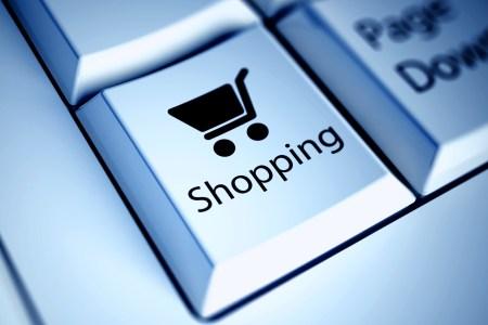 Кіберполіція нагадала українцям рекомендації, як не стати жертвою шахрайства під час онлайн-шопінгу
