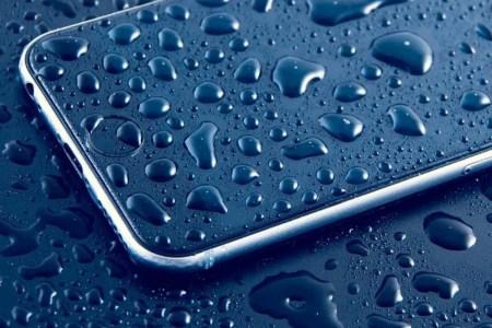 К Apple подали коллективный иск за обман насчет влагозащищенности iPhone