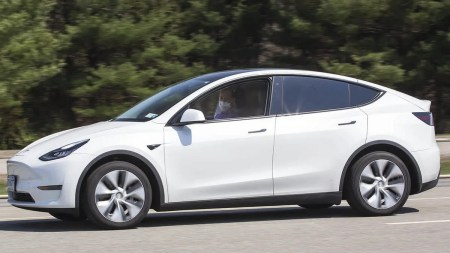 Consumer Reports: Автопилот Tesla можно «легко» обманом заставить работать без водителя-человека за рулем