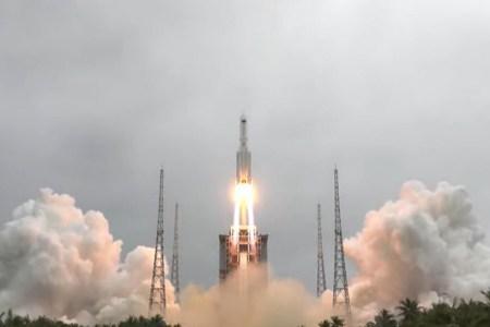 Китай запустил на орбиту базовый модуль новой орбитальной станции