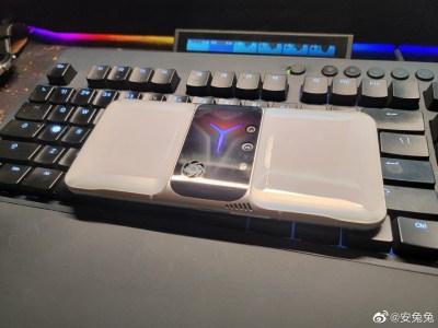 Новый игровой смартфон Lenovo на живых фото: блок камер в центральной части и встроенный вентилятор для охлаждения