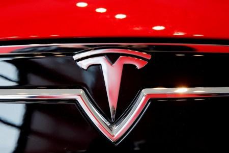 Financial Times: Tesla рассматривает возможность покупки завода по выпуску чипов на фоне их глобального дефицита