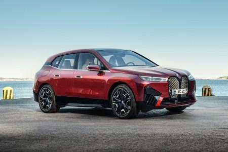 В Україні оголосили старт продажів електрокросовера BMW iX — передплата 300 тис. грн, вартість від 100 тис. євро, поставки до кінця 2021 року
