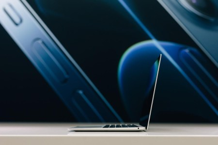 iOn представляє MacBook Air на M1 — безшумний ультрабук з нереальною продуктивністю