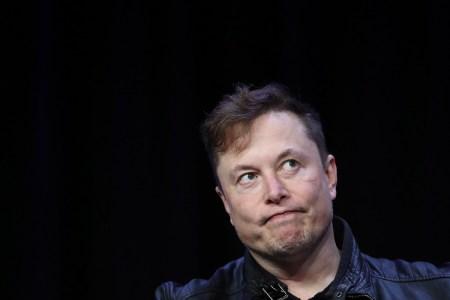 Tesla больше не принимает оплату биткоинами — из-за разрушительного влияния криптовалюты на экологию (курс биткоина упал на 15%)