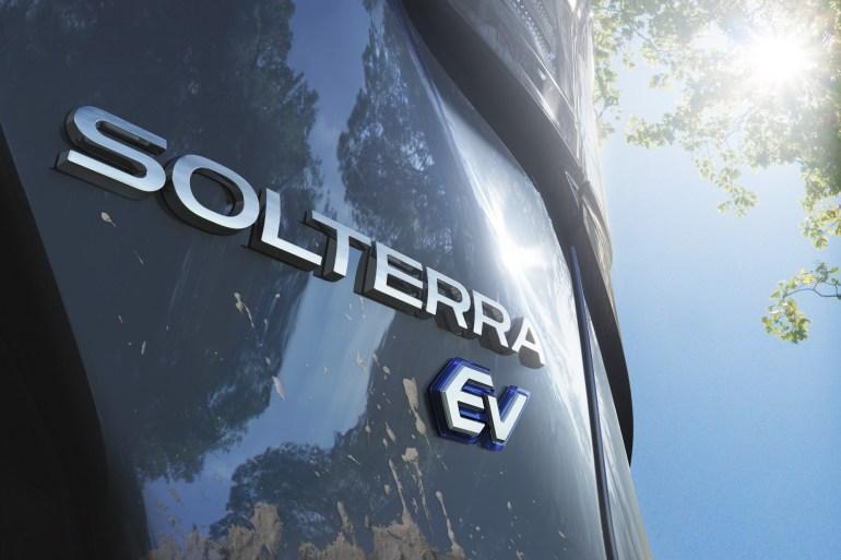 Subaru Solterra - первый серийный электрокроссовер бренда, разработанный совместно с Toyota (продажи - с 2022 года)