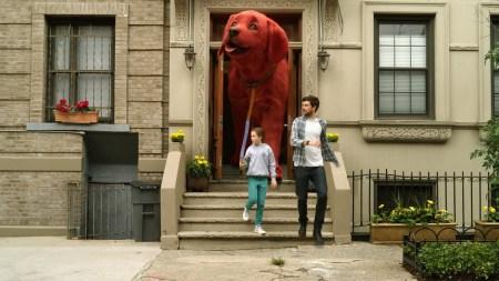 Перший трейлер фантастичного сімейного фільма «Великий червоний пес Кліффорд» / Clifford the Big Red Dog