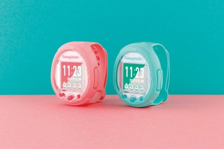 К 25-летнему юбилею Тамагочи в Японии выпустят умные часы Tamagotchi Smart, продажи стартуют в ноябре по цене $60