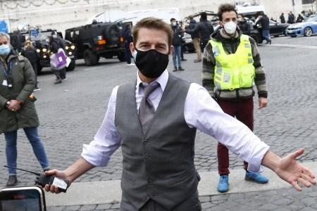 Съемки боевика «Mission: Impossible 7» вновь приостановили из-за коронавируса у членов съемочной группы, хотя недавно Том Круз устраивал разнос по этому поводу