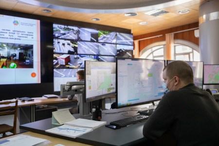 Київ впроваджує нову інтелектуальну транспортну систему відеонагляду (ІТС), яка буде попереджати появу заторів
