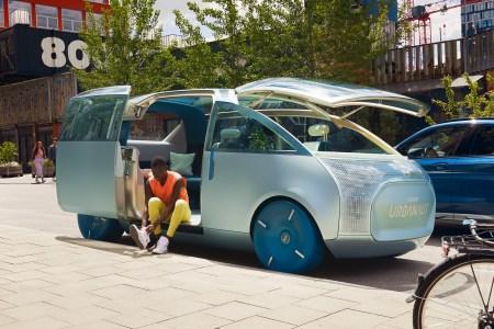 Фотогалерея дня: Немцы превратили виртуальный концепт Mini Vision Urbanaut в реальный прототип электромобиля