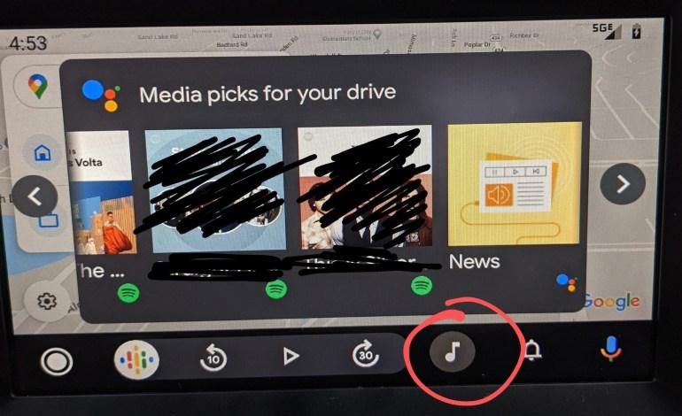 Google тестирует подборки музыки, подкастов и новостей в Android Auto
