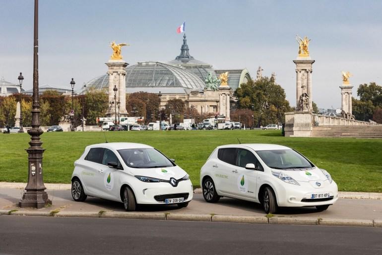 Париж обмежив швидкість автомобілів майже на всіх вулицях до 30 км/год - для підвищення безпеки руху та зниження шуму