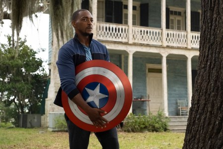 Титульную роль в грядущем боевике Captain America 4 / «Капитан Америка 4» сыграет Энтони Маки — бывший Сокол из MCU