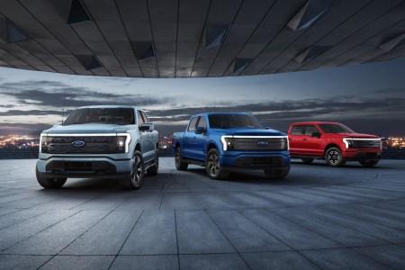 На фоне рекордных предзаказов Ford вдвое увеличил производственные планы на электропикап Ford F-150 Lightning — с 40 тыс. до 80 тыс. штук к 2024 году