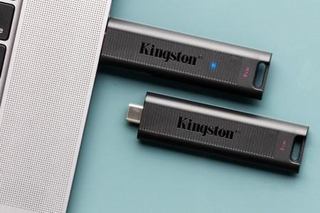 Kingston представил флеш-накопитель DataTraveler Max с интерфейсом USB 3.2 Gen2 и скоростью чтения до 1000 МБ/с