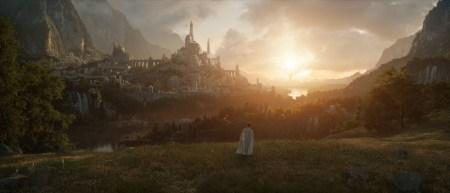 Amazon показал первое изображение и назвал дату премьеры первого сезона сериала «Властелин колец» (2 сентября 2022 года)