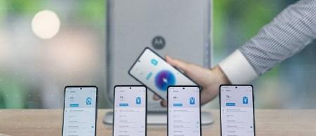 Motorola показала беспроводное зарядное устройство, способное передавать энергию на 4 смартфона одновременно на расстоянии до 3 метров