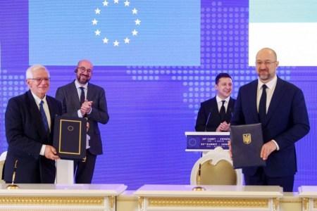 «Авіаційний безвіз». Україна та ЄС підписали угоду про спільний авіаційний простір
