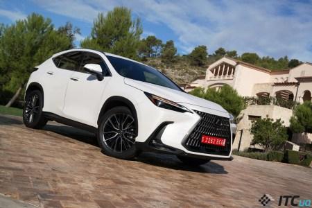 «Первый взгляд» на новый Lexus NX: снаружи – эволюция, внутри – революция