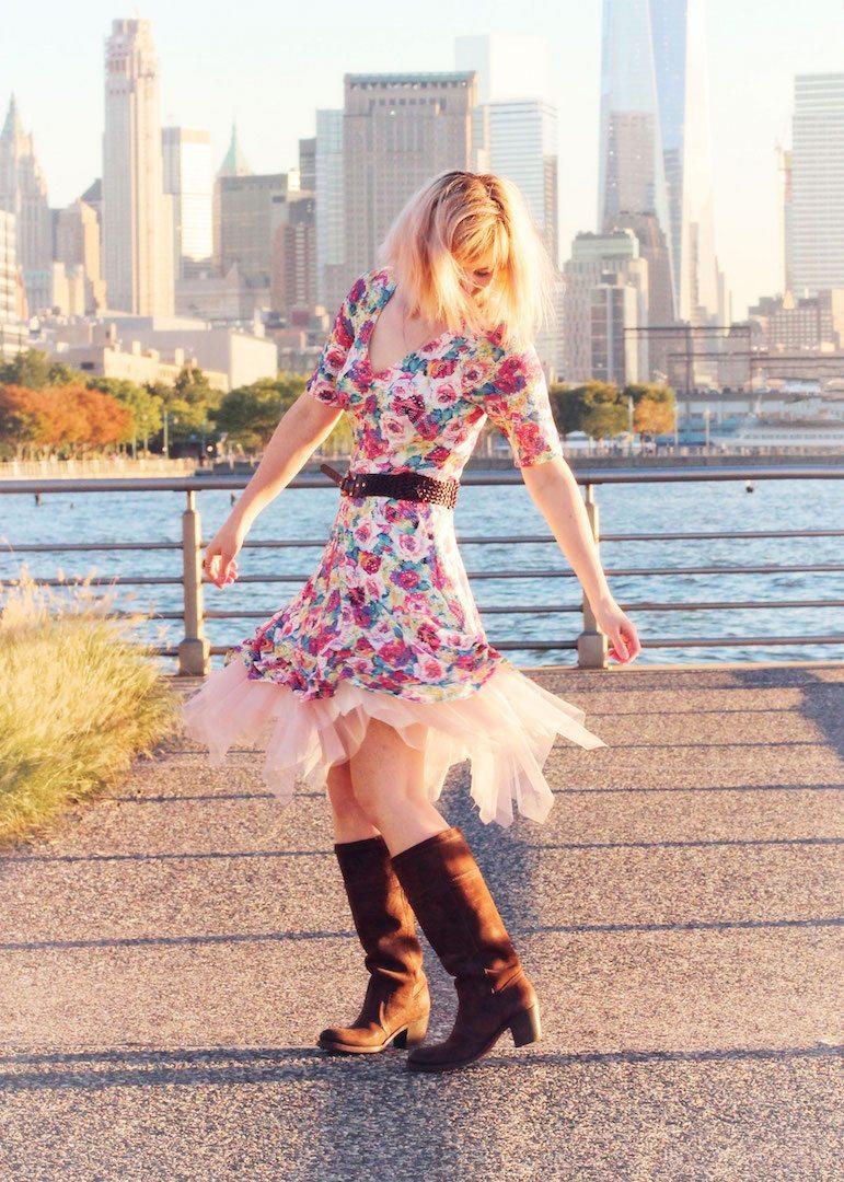 Itch to Stitch Birthday Tour - Juli Sweet Little Chickadee Davina Dress