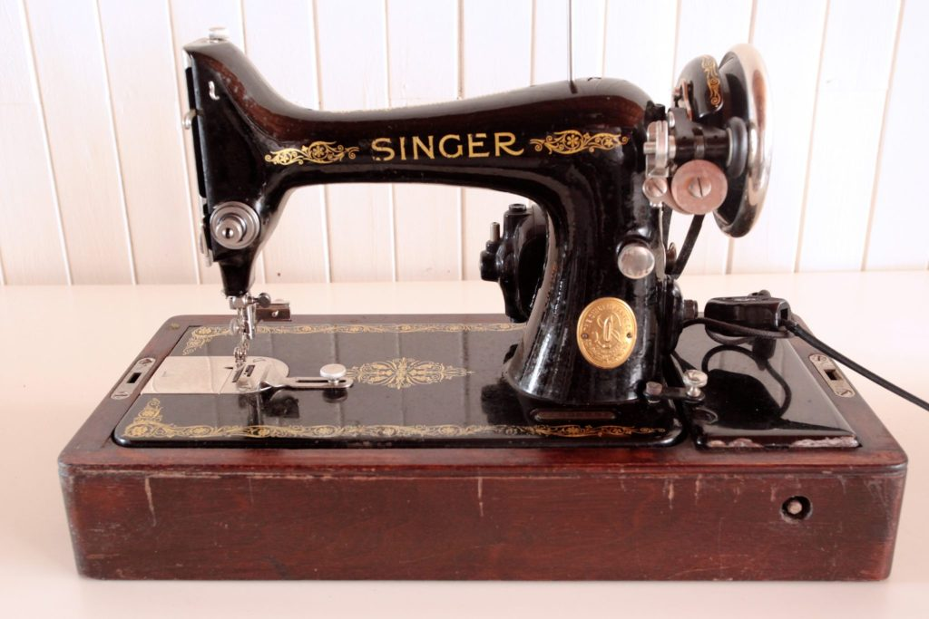 Singer 99 Vintage Sewing Machine