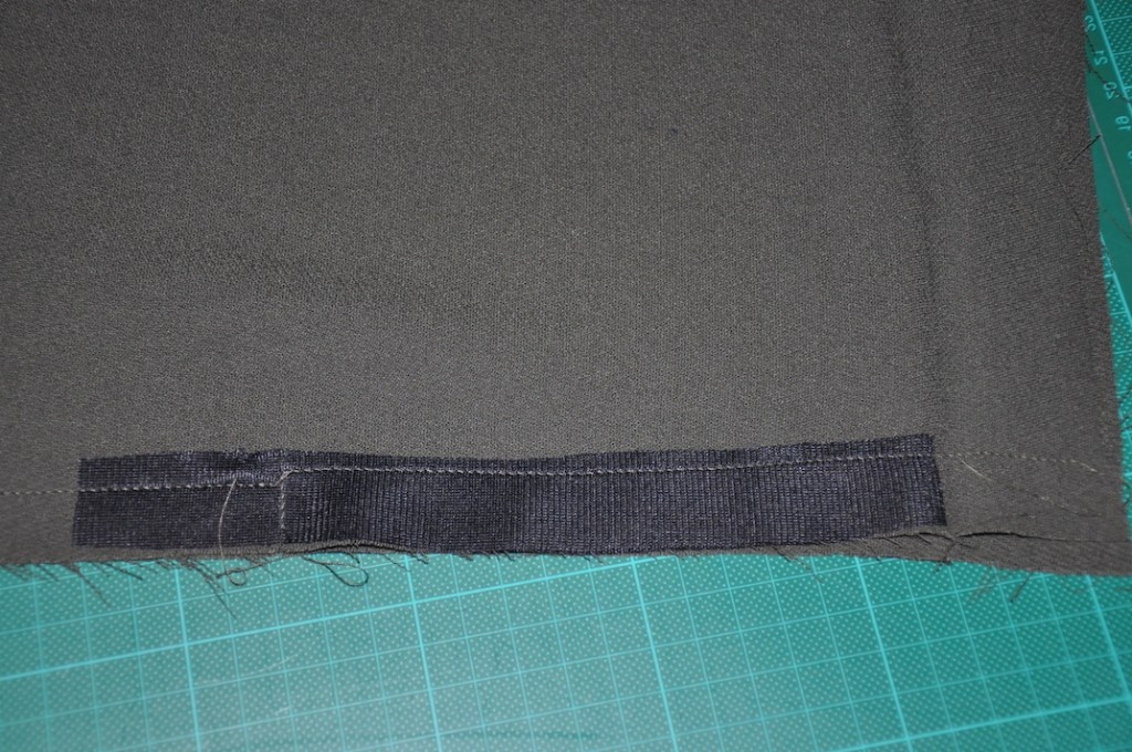 Tierras Woven Joggers with Ankle Zippers Tutorial