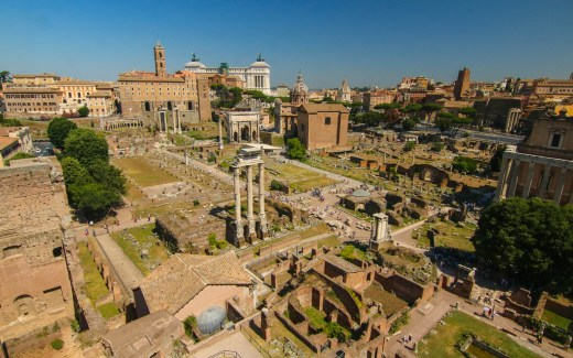 Italy: Rome – The Roman Forum and Colosseum