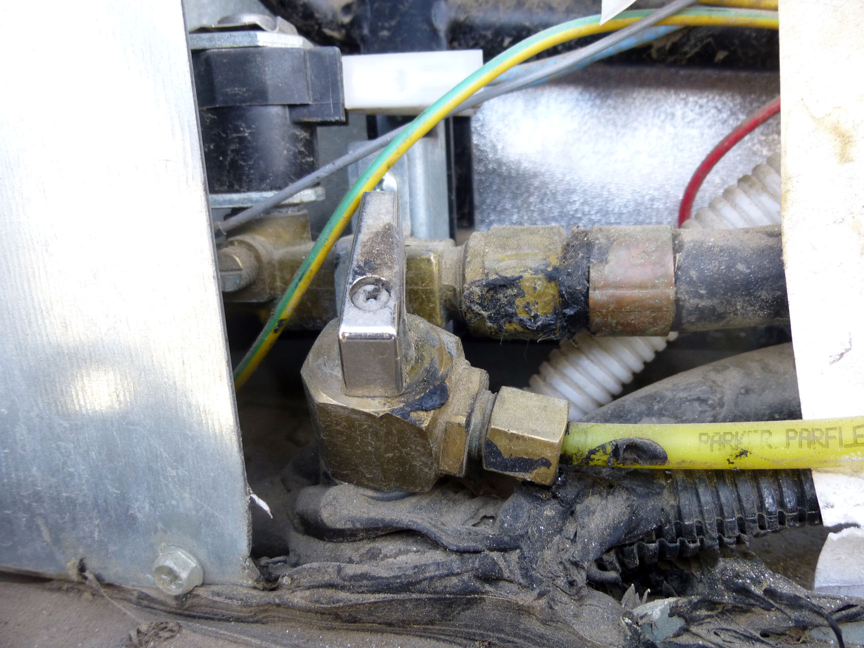 Ice Maker Water Supply Valve Replacement - ITCHY FEET and an RV