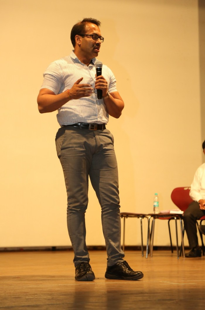 Mr. Kunal Kumar, the commissioner of Pune Municipal Corporation, addressing the audience