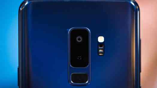 These 10 Best Flagship Smartphones You Should Buy in 2019  - Flagship Phone Samsung Galaxy S9 - (January 2019) Best 10 Flagship Phones To Buy Now