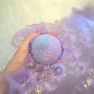 blackberry bath bomb