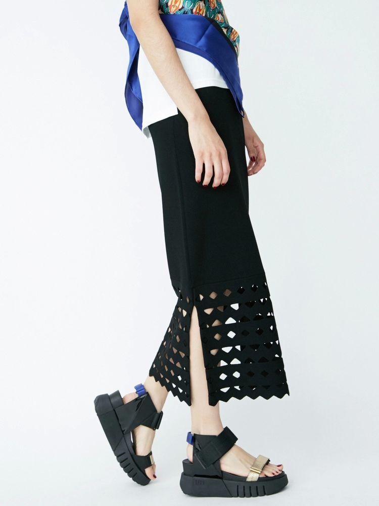 UN3D. カットワークタイトスカート