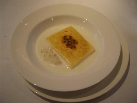 パッションフルーツのパルフェ ココナッツミルクのリゾット