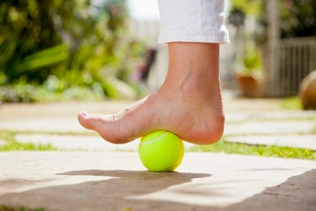 Tennis Ball stretching to heal Plantar Fasciitis quickly