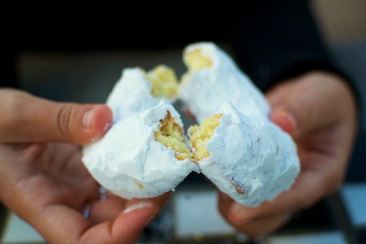 Serres Donut Shop - Powdered Sugar