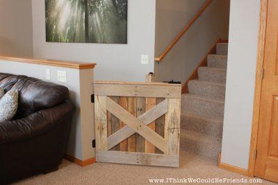 Palette Wood Pet & Baby Gate #palette #project #DIY
