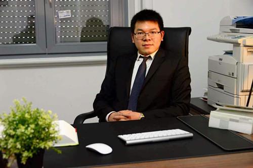 意大利华人律师郑帆的简介 友情推荐 第1张