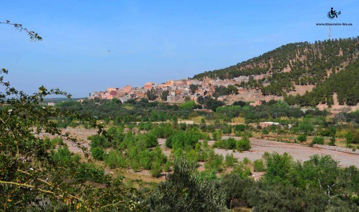 Il y a de nombreux villages isolées