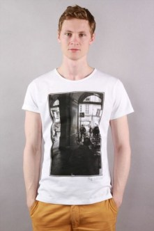 faubourgs_tee_shirt_pave_on_the_ground_3-368x553