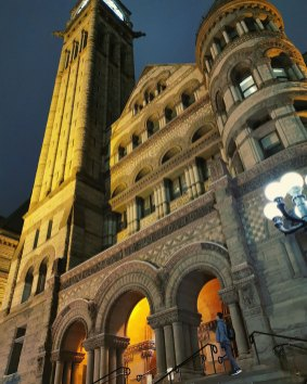 Old City Hall (Toronto, Canada)