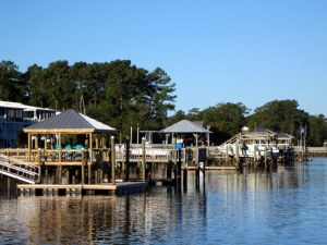 Houses and Docks Along the NC ICW