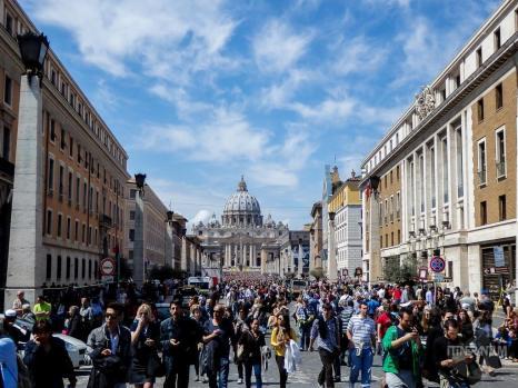 Vatican Easter mass