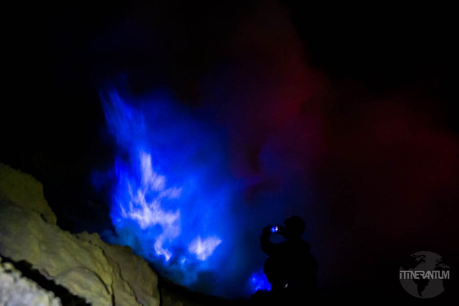 Mount Ijen blue fire, Java indonesia