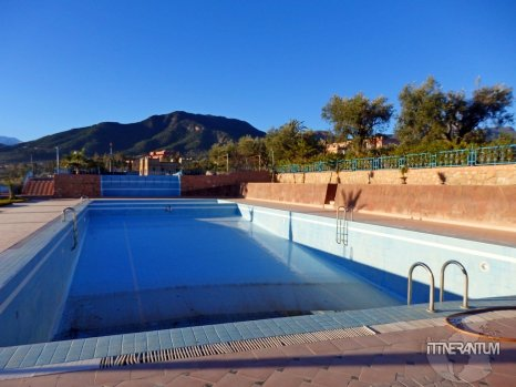 The pool at L'Oliveraie D'Amizmiz