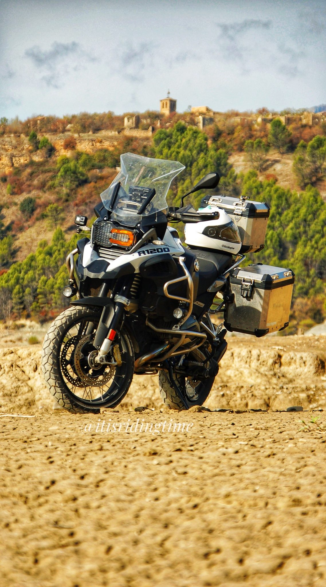 BMW R1200GSA Wallpaperq