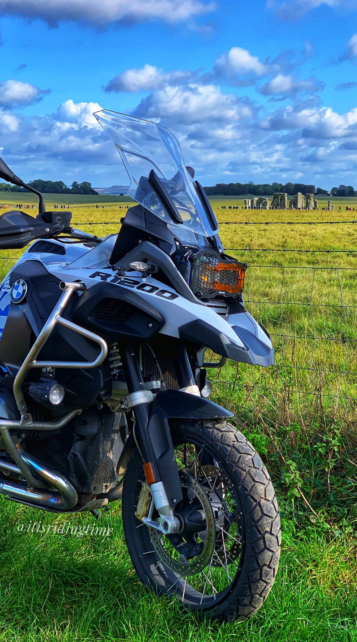 BMW R1200GSA Stonehenge Wallpaper