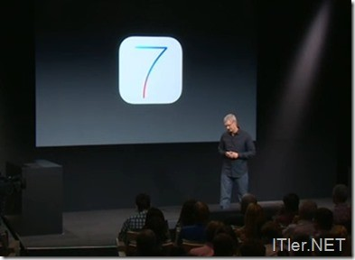 Apple-Keynote-iPhone-5C-5S-iOS7 (1)
