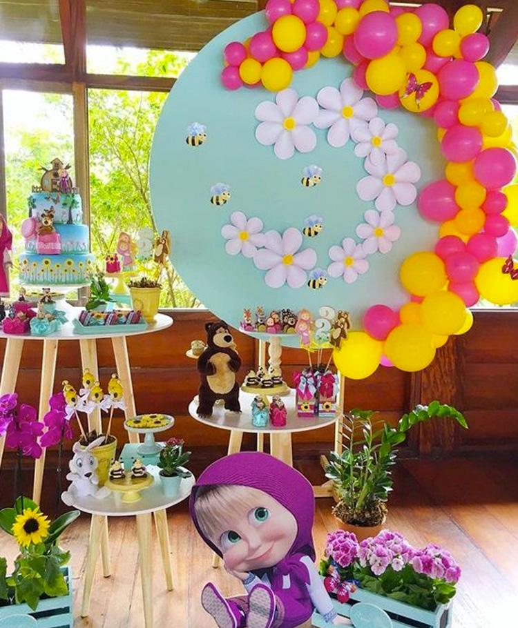 Festa Masha e o Urso decoração colorida It Mãe